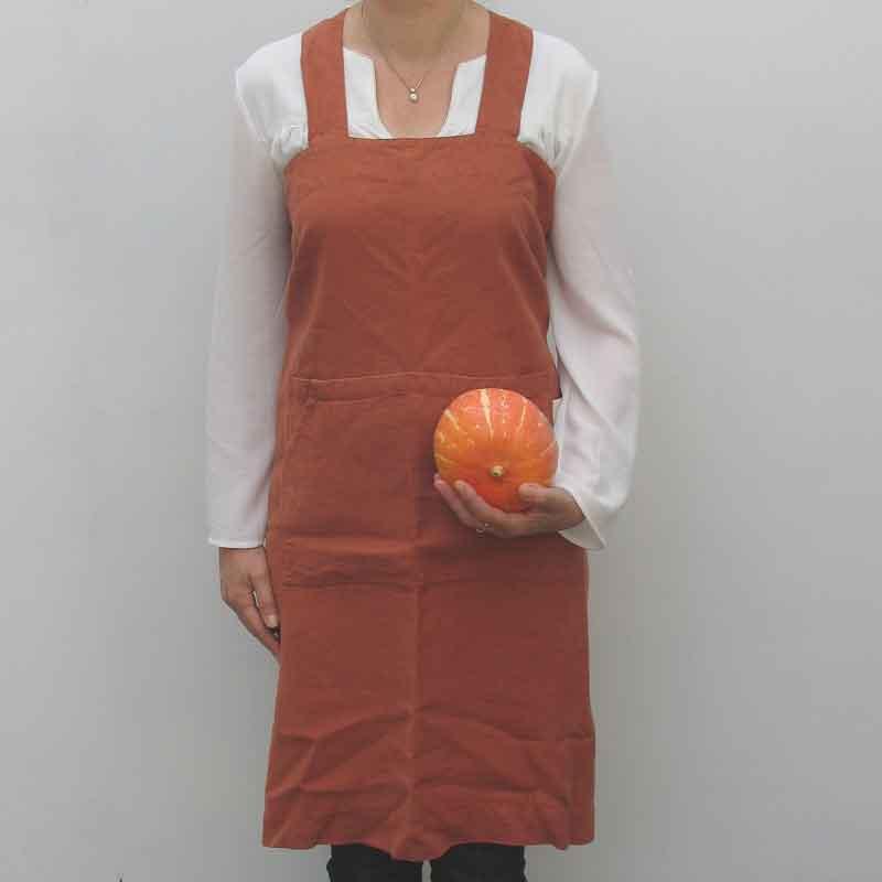 Steenrood linnen pinafore schort - fijn omslagschort als kookschort of keukenschort- Casa Comodo