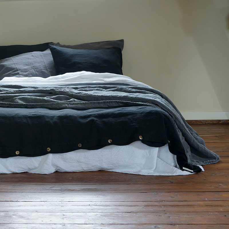 zwart linnen beddengoed