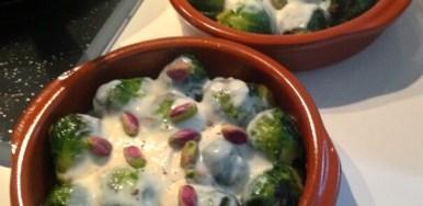 Cavoletti di Bruxelles con crema di parmigiano