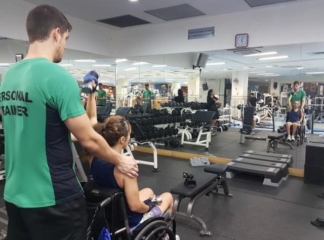 Principal objetivo do treino elaborado por Daniel é dar mais autonomia para o dia a dia de Camila (Foto: Renata Domingues)