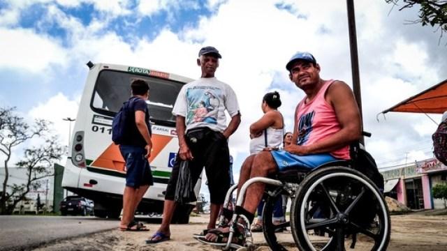 Resultado de imagem para Desconforto, calçadas irregulares e ônibus quebrado; G1 acompanha cadeirante em viagem pela Grande Maceió