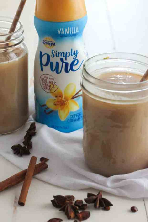 Vanilla Chai Tea Latte - get your caffeine fix in under 10 minutes with simple, quick ingredients! #IDSimplyPure | casadecrews.com