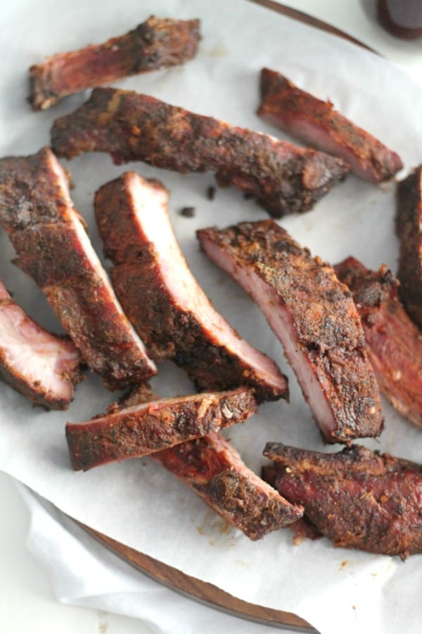 Grilled Ribs with Blueberry Maple BBQ Sauce | casadecrews.com