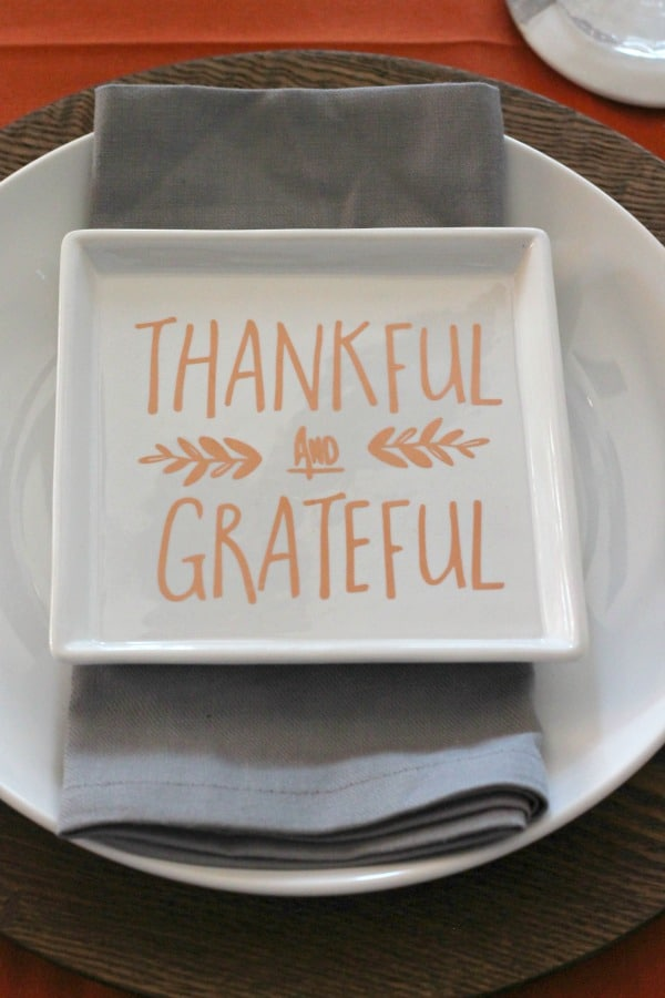 orange-and-gray-thanksgiving-table | casadecrews.com