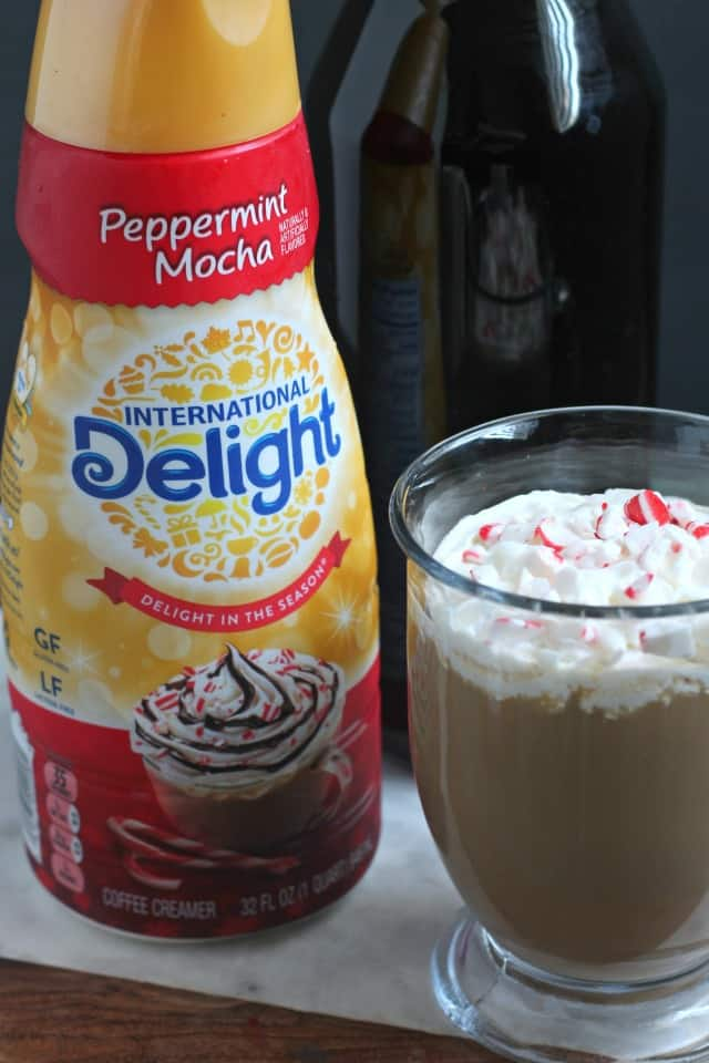 Homemade Peppermint Mocha Latte | casadecrews.com