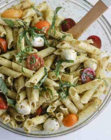 caprese pesto pasta salad [gluten free]