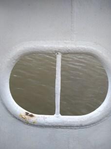 Barco Príncipe Joinville escotilha