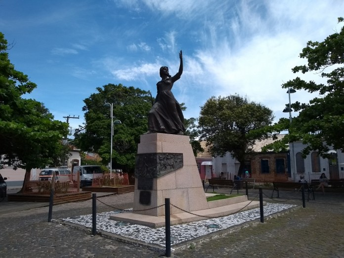 Laguna Santa Catarina Monumento Anita Garibaldi