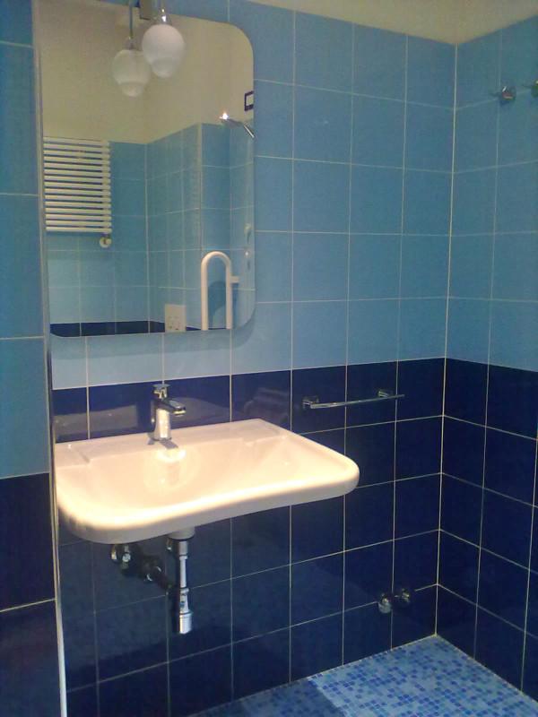 camera blu - bagno