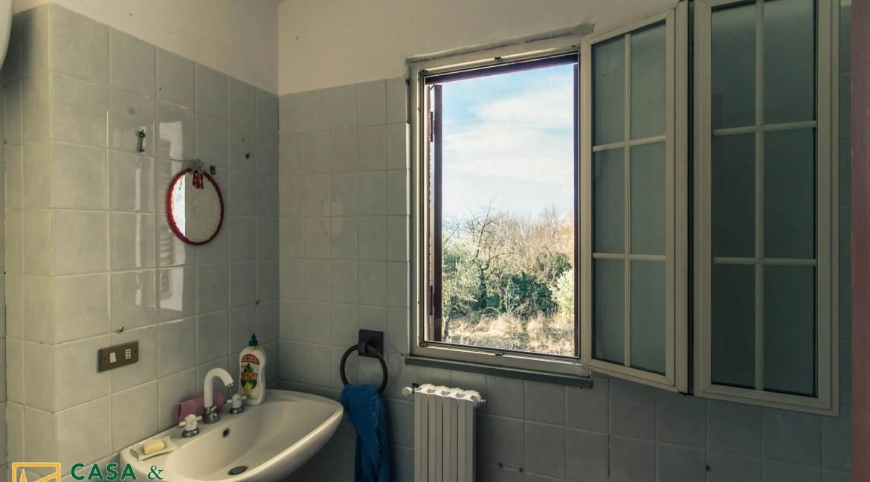 bagno casa in campagna vairano patenora