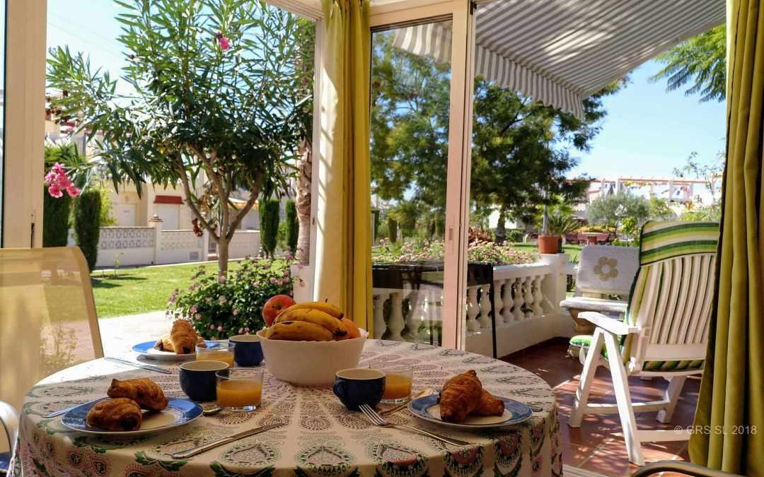 Apartamento Pacífico para 5 personas, terraza de invierno, piscina, BBQ en Torrox