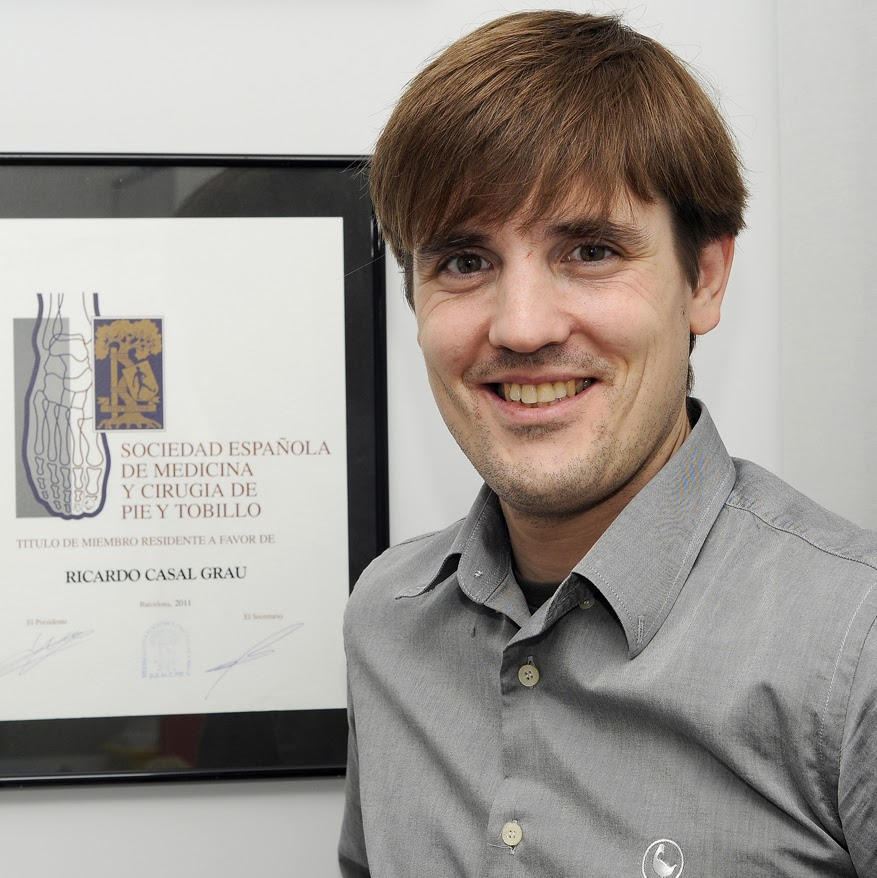 Doctor Ricardo Casal - Cirujano de columna en Madrid
