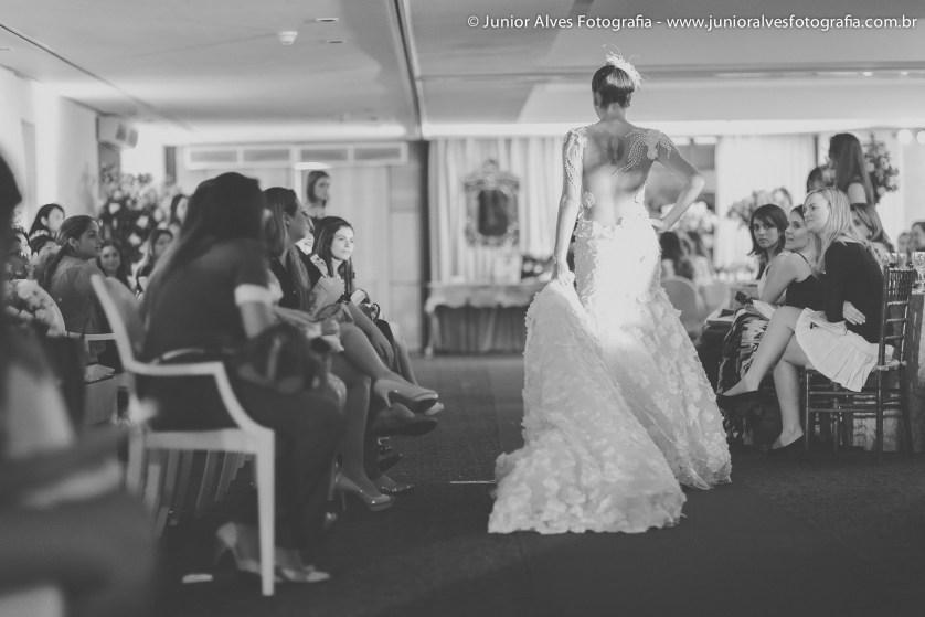 Noiva de Solange Sahdo; produção Mulher Cheirosa; adereço Jomara Cid . Foto: Júnior Alves.