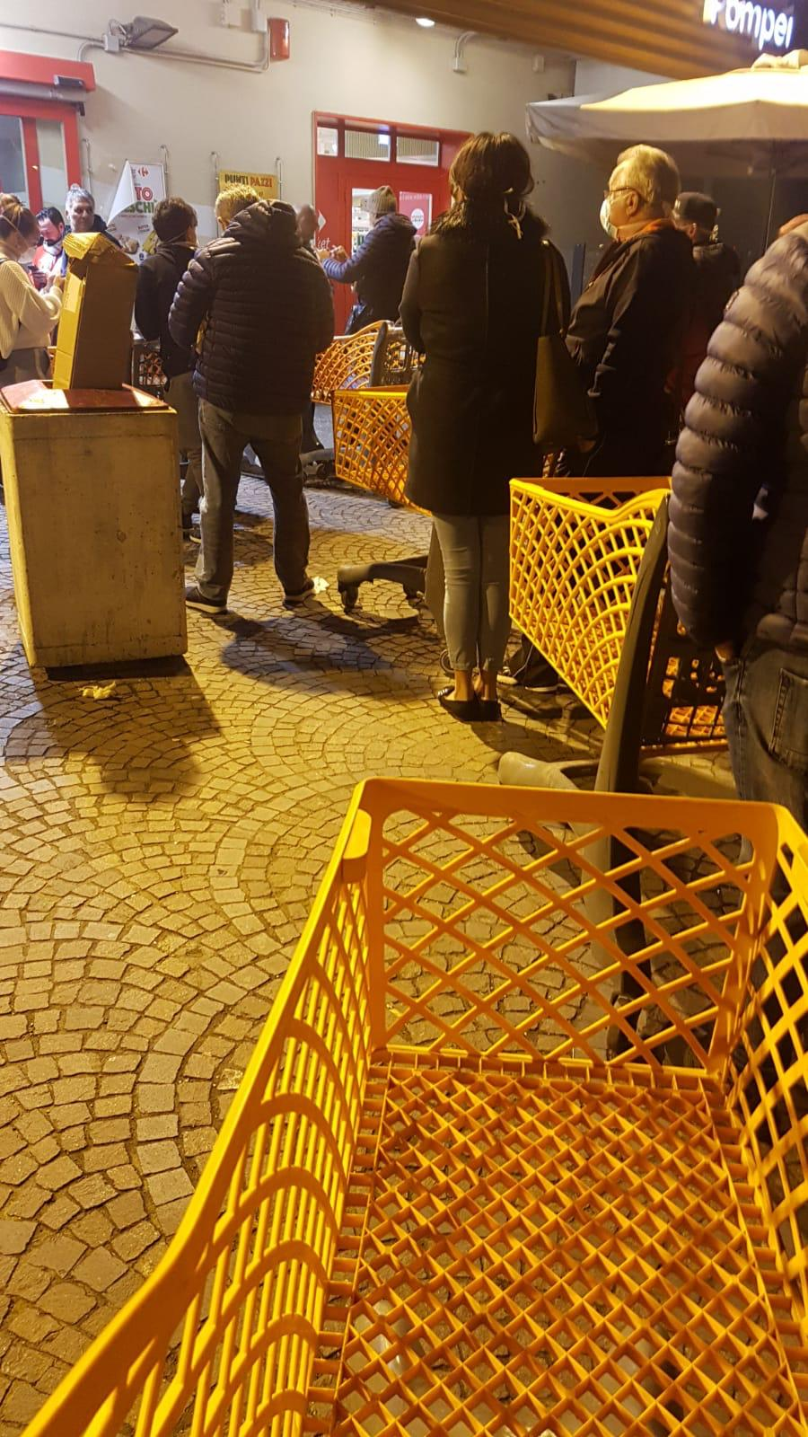 Emergenza Coronavirus assalto supermercati