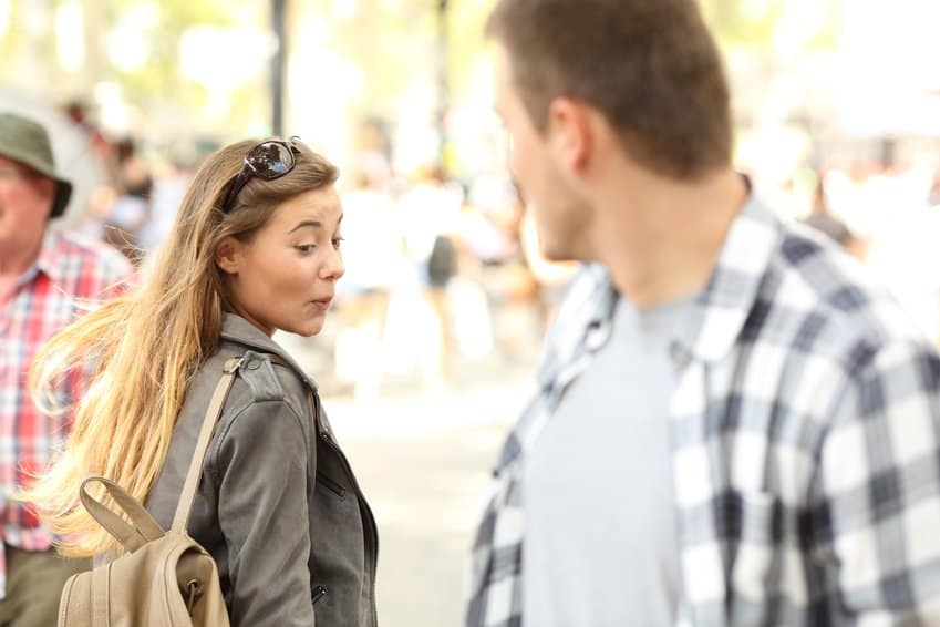 Körpersprache der frau beim flirt