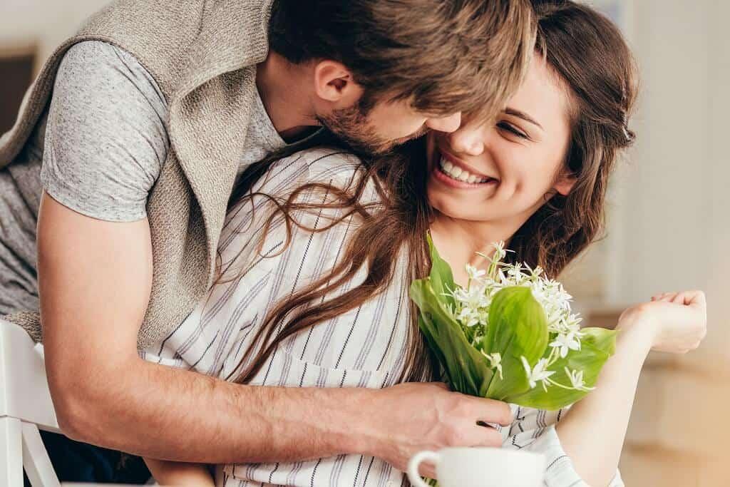 mit kleinen Überraschungen das Herz einer Frau gewinnen