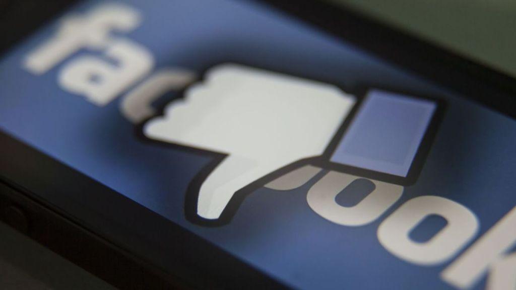 Moderatori di contenuti di Facebook che usano droghe e sesso