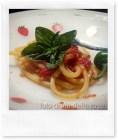"""Spaghetti """"sciuè sciuè"""" pomodoro fresco e olive taggiasche"""