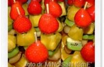 Estate: la ricetta degli spiedini di frutta al miele