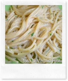 Ricette veloci. spaghetti yogurt e pecorino