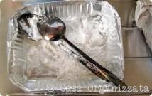 Come pulire l'argento in 5 minuti con sale e bicarbonato