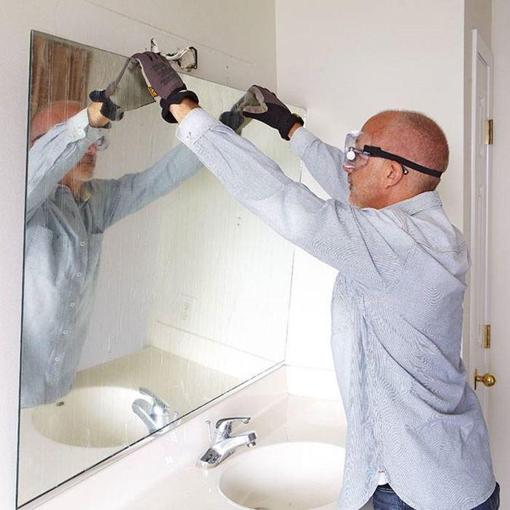 Installare Uno Specchio In Bagno Il Bagno Quando E Come