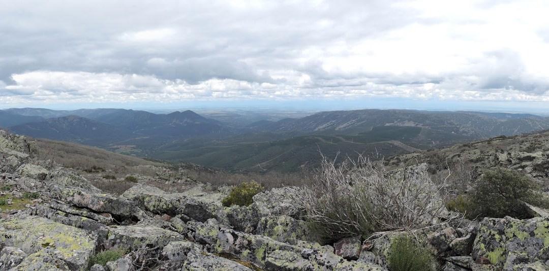 Montañismo en el Macizo del Rocigalgo