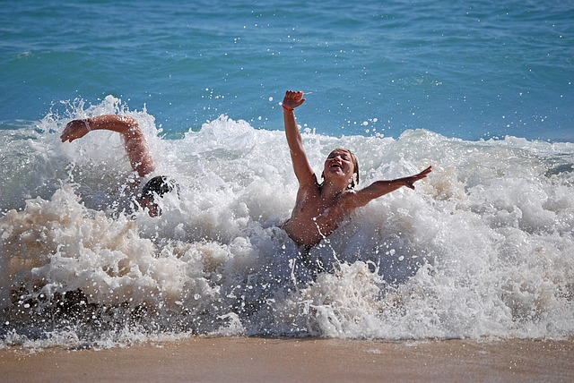 bambini al mare vacanza