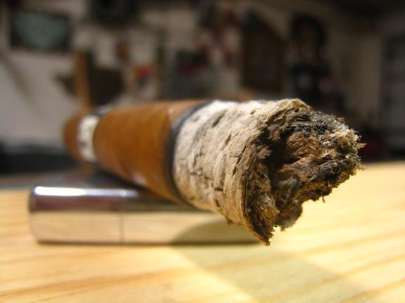 Leccia Tobacco Black