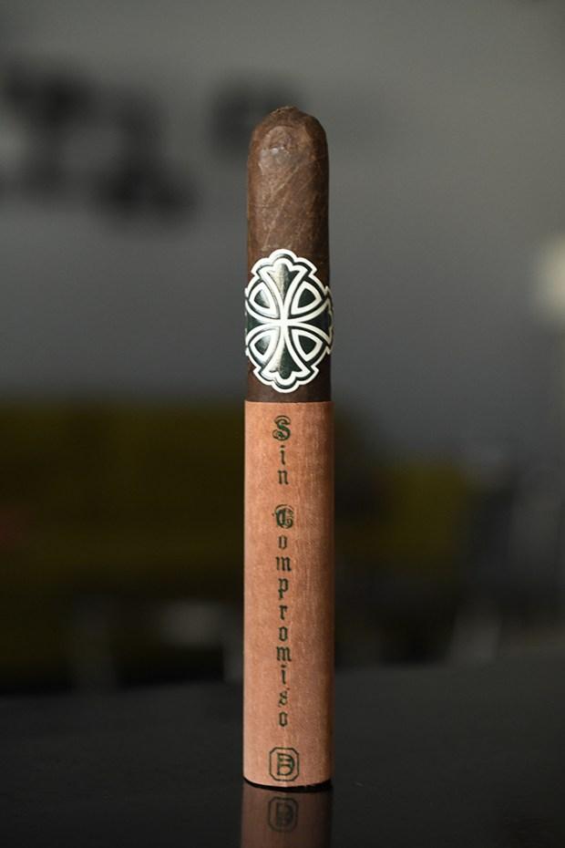 Dunbarton Tobacco & Trust Sin Compromiso