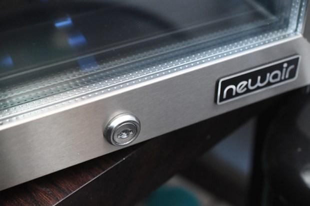 NewAir-NCH250SS01-5