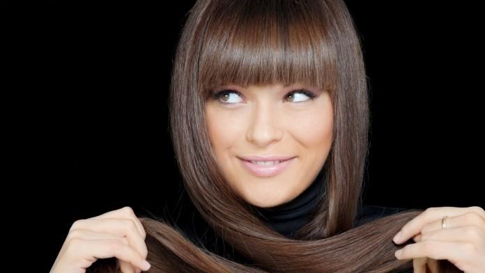 Ίσιωσε τα μαλλιά σου με φυσικό και δροσερό τρόπο