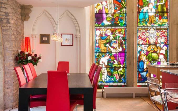 Η εντυπωσιακή μετατροπή μιας εκκλησίας σε σπίτι