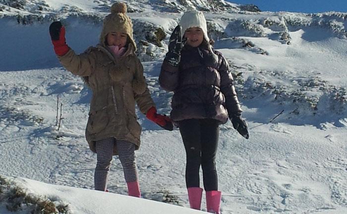 Nieve con niños en Asturias