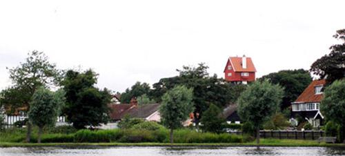 Chateau d'eau transformé en maison atypique