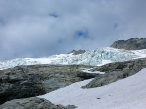 Douglas Glacier above slabs and snowfields