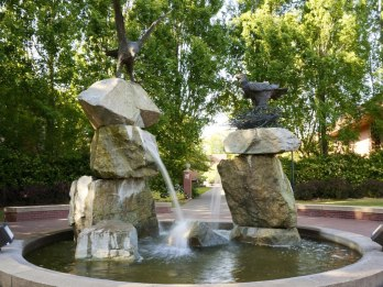 "The ""chicken"" fountain at Willamette's campus."