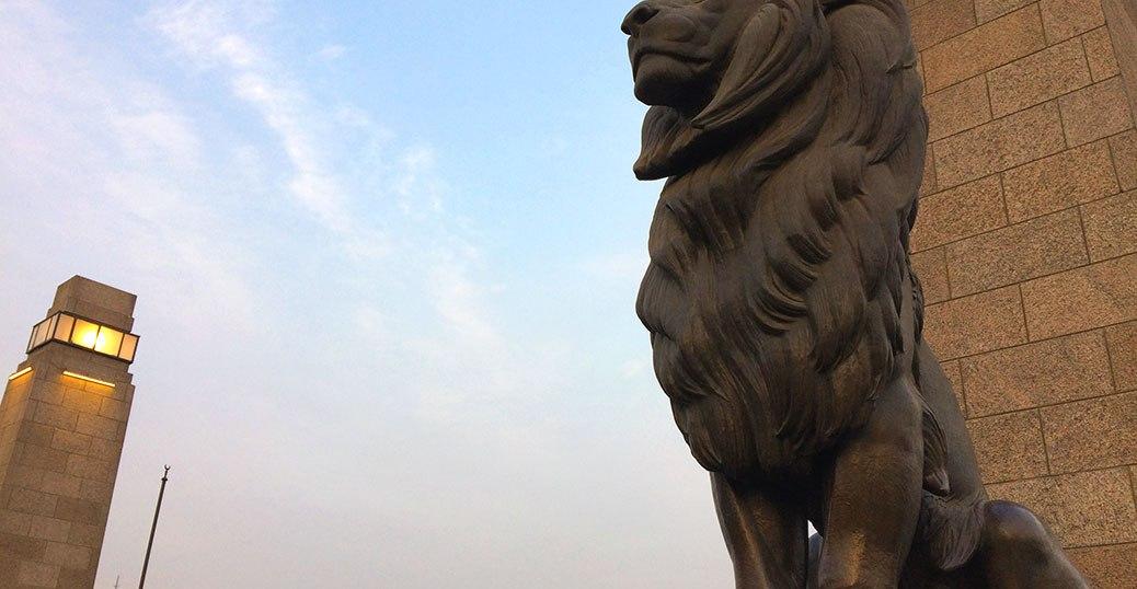 Cairo's Qasr El Nil Bridge is famous for its four bronze lion statues. A pair stand guard at each end of the bridge.