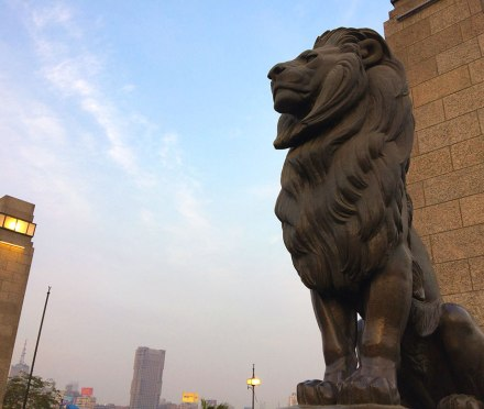 Cairo's Qasr El Nil Bridge is famous for its four bronze lion statues. A pair stand guard at each end of the bridge.