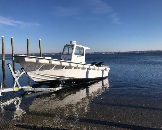 launch pumpout boat