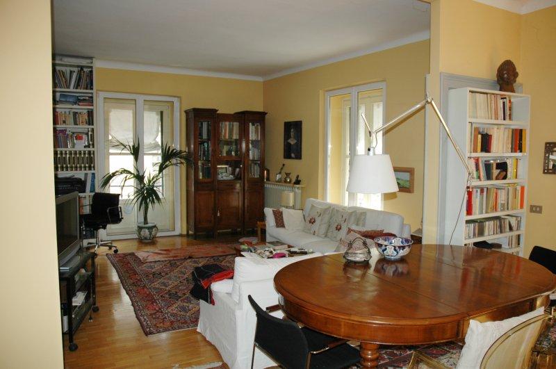 Foto 0 Appartamento Con Camino In Stabile Depoca A Milano