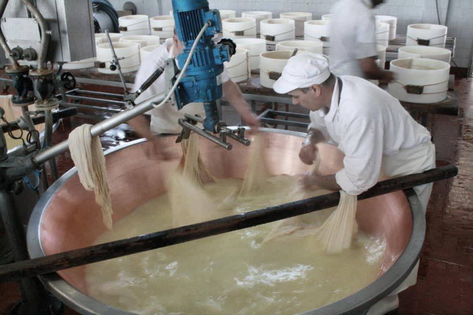 preparazione-parmigiano-reggiano