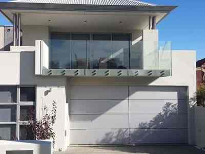 ORION SILVER COMPOSITE PANEL WITH BLACK REBATE