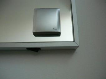 Prise Electrique Integree Dans Un Miroir Triga Www Cashotel Fr