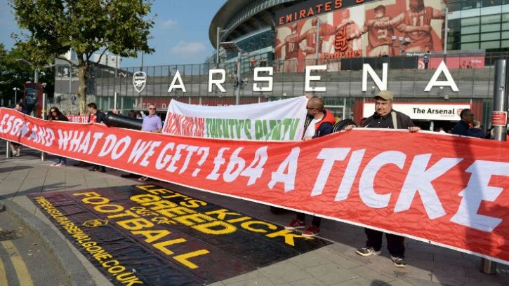 An image of Arsenal fans protesting against ticket prices