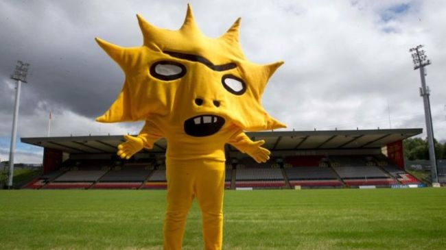 A photo of Kingsley, the Partick Thistle mascot