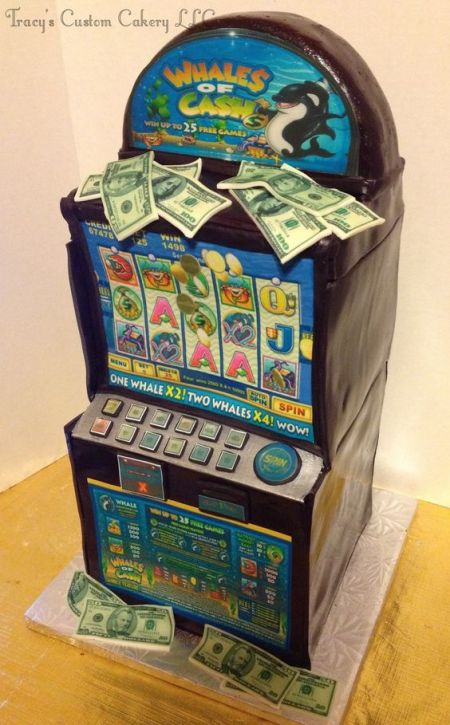 An image of the Whales of Cash slot machine cake
