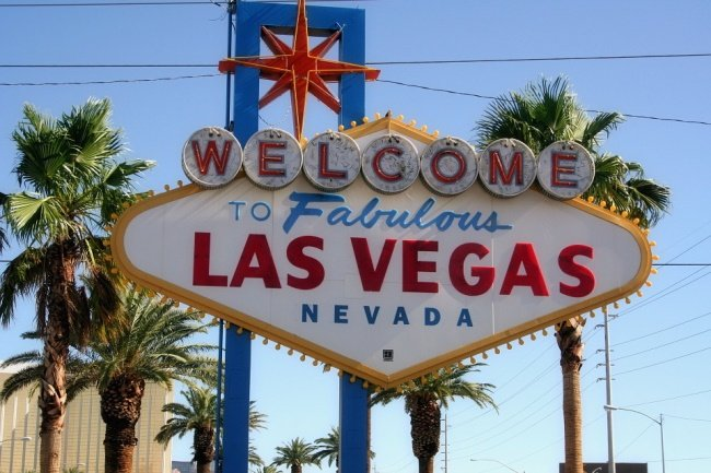 How-to-Spend-the-Holiday-Time-in-Las-Vegas-1