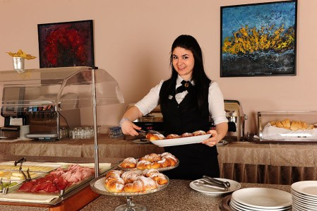 Restaurant Carat breakfast waiter