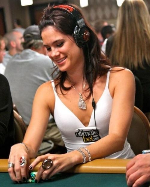 mujeres también en el Poker